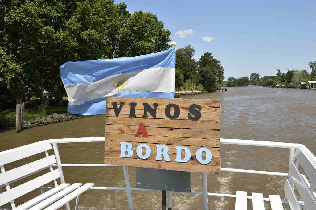 """Se presentó en Tigre """"Vinos a Bordo"""", una experiencia que combina cata de vinos, navegación y gastronomía"""