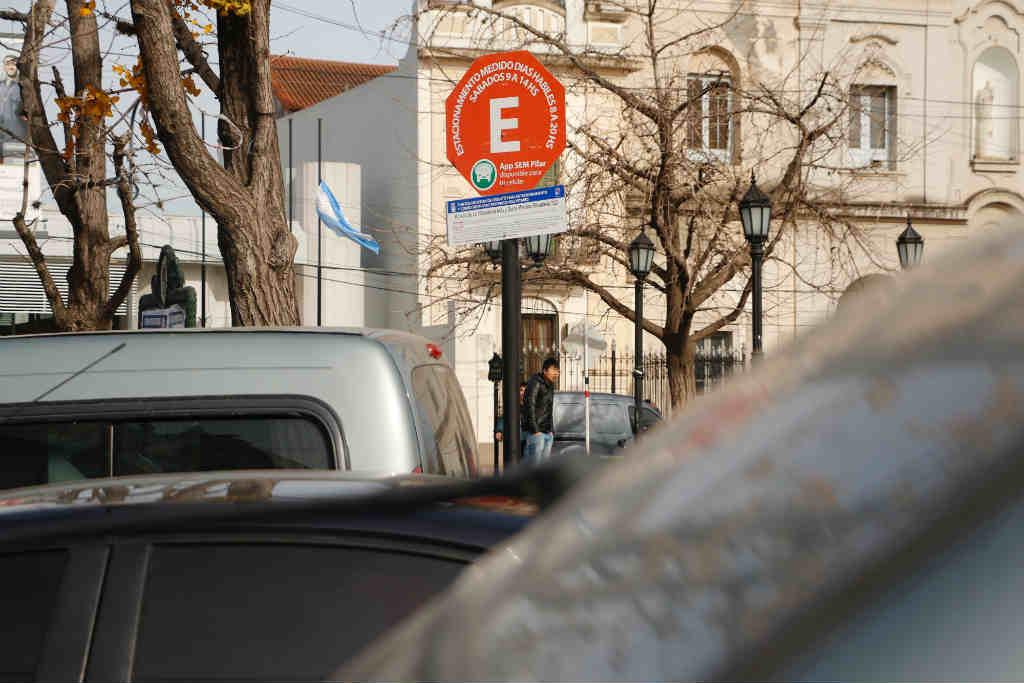 Pilar: No se cobrará estacionamiento medido durante diciembre
