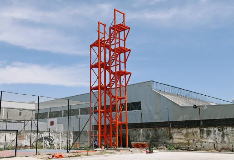 Los Bomberos de San Fernando cuentan con una moderna torre de entrenamiento