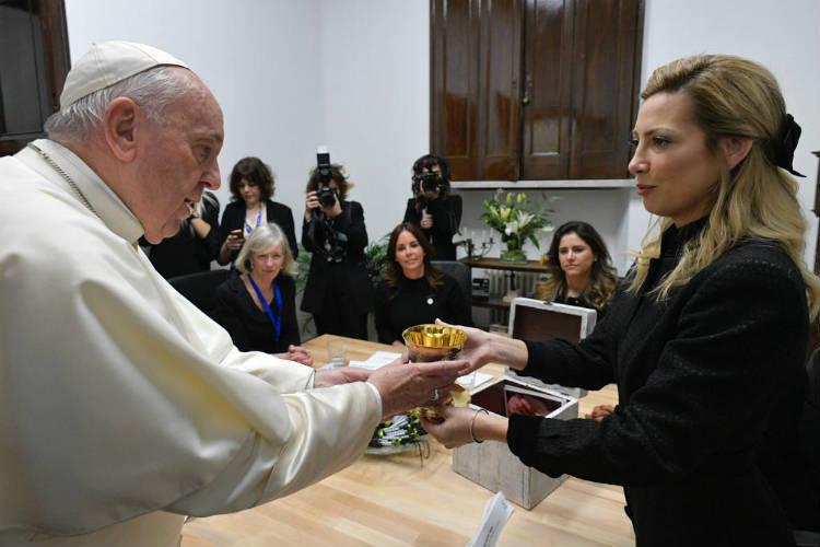 El PAPA recibió a la Primera Dama en el Vaticano