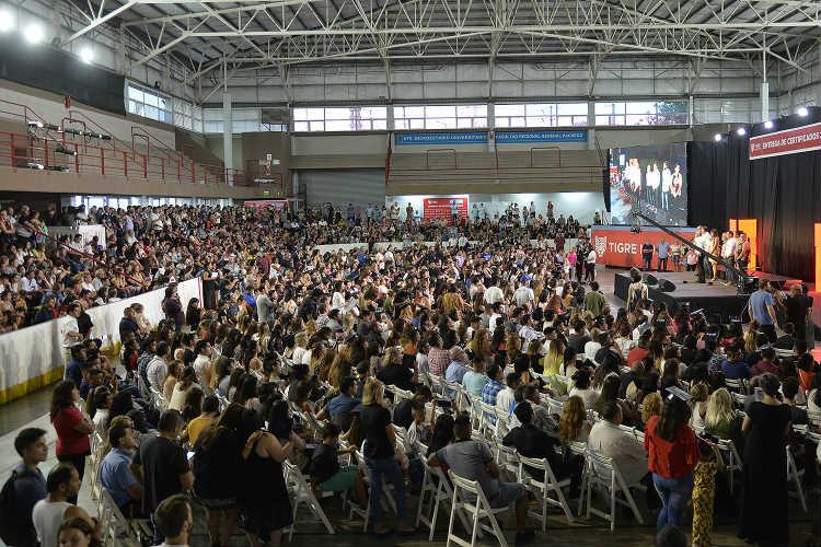 El intendente, Julio Zamora, entregó certificados a 1100 vecinos egresados del Tigre Instituto Formativo (TIF)