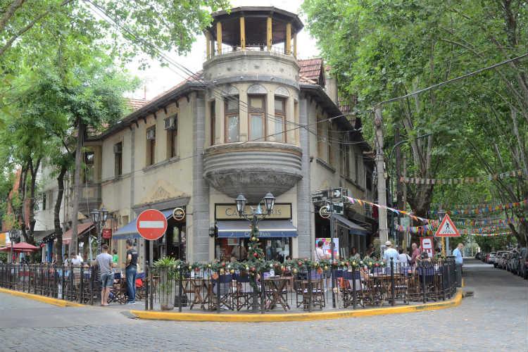 Se realizó un festival cultural y solidario en el Bajo de Vicente López