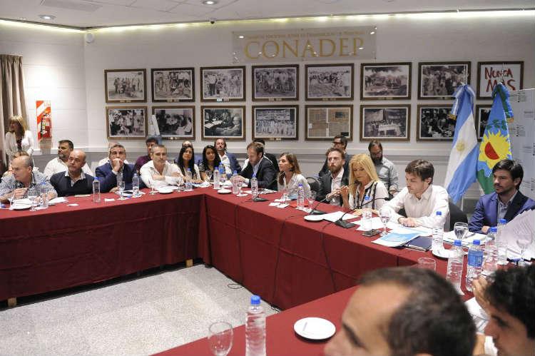 Ministros del gabinete provincial brindaron detalles sobre la Ley de Emergencia en la Cámara de Senadores