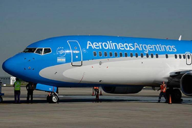 Pasajes al exterior no pagarán el 30% de recargo si la empresa hace toda la operación en pesos