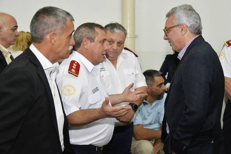 Julio Zamora acompañó la celebración de fin de año de los Bomberos Voluntarios de Tigre centro