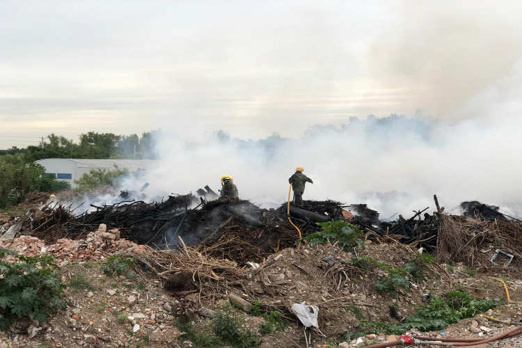 Se extinguió el incendio en el bajo de San Isidro provocado por pirotecnia