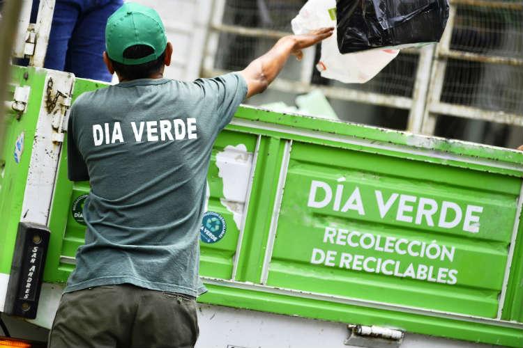 Servicio de recolección de residuos limitado el Viernes Santo en Vicente López