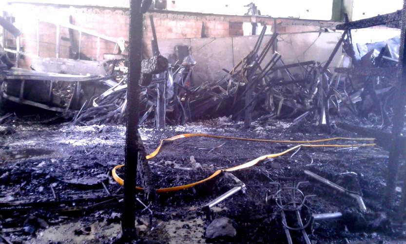 Incendio en club de remo en el delta de Tigre.