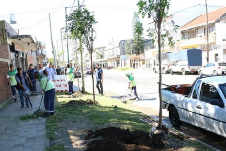 San Isidro: para prevenir el dengue autorizan a jardineros a trabajar