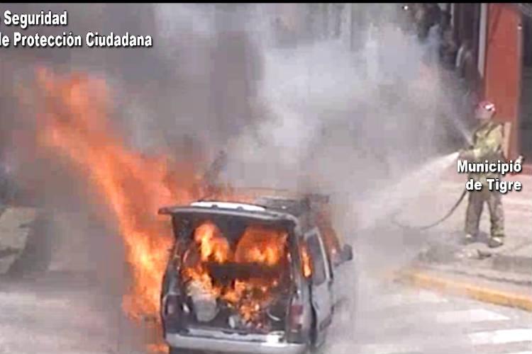 Controlan el incendio de una  camioneta en El Talar