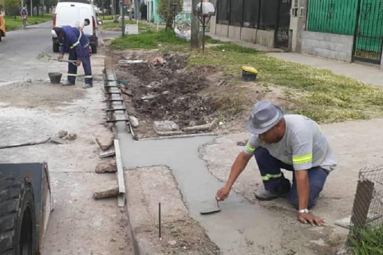 Tigre avanza con la remodelación de veredas en La Paloma