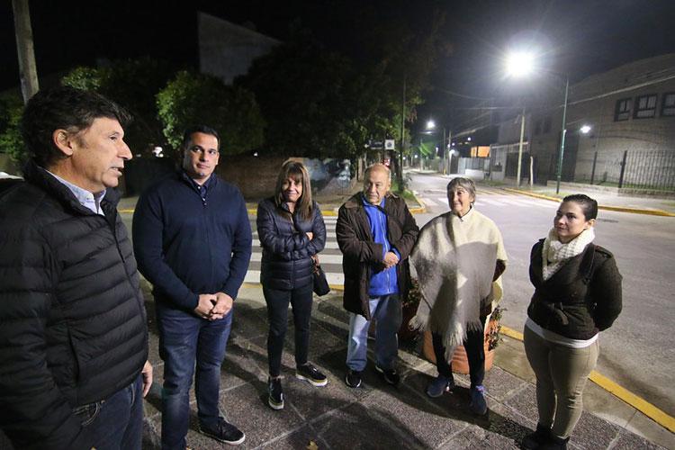 San Isidro cada vez más cerca del 100% LED.