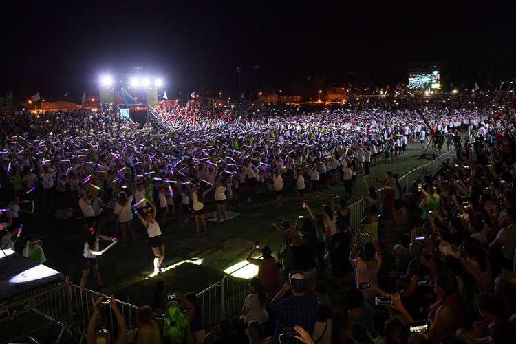 """Juan Andreotti, junto a 15.000 personas, participó de una espectacular """"Fiesta de Verano"""" de las Colonias."""