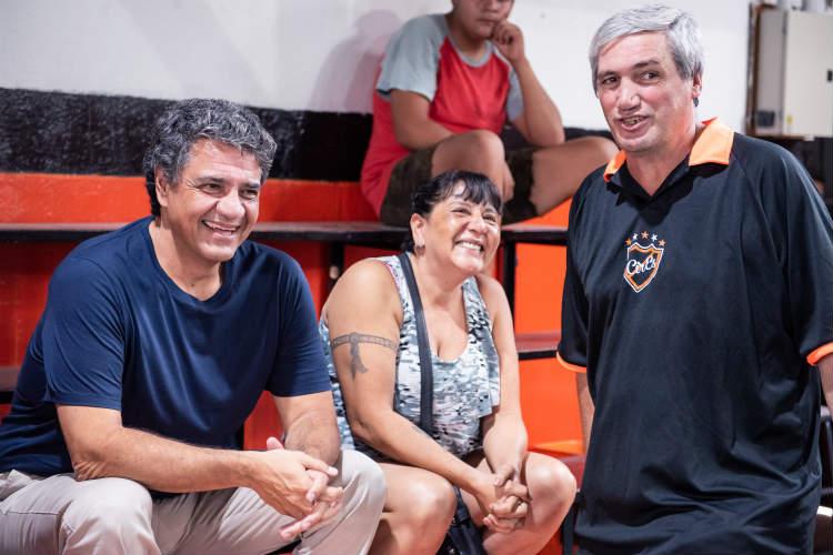 orge Macri, recorrió las obras realizadas en el Club CIRES Norte (Díaz Vélez 3155, Olivos) en el gimnasio, donde se creó un nuevo espacio más amplio y se desplazó el techo hacia arriba.