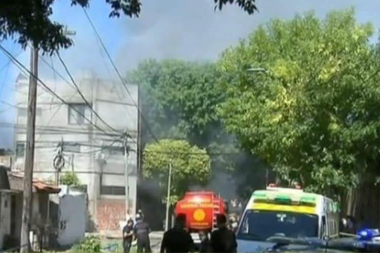 Un voraz Incendio afecta a  una fábrica de ceras en Munro