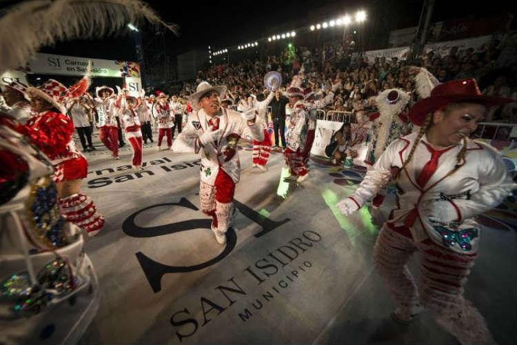 El carnaval llega a San Isidro