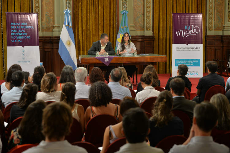 xel Kicillof, y la ministra de las Mujeres, Políticas de Género y Diversidad Sexual, Estela Díaz, presentaron formalmente el Consejo de Políticas de Género Transversales en la Administración Pública