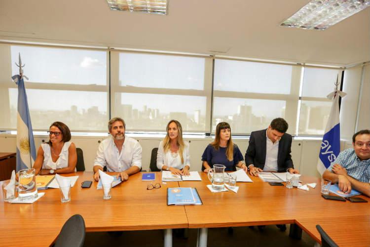 Malena Galmarini se reunió con concejales de Tigre para analizar el estado de las obras