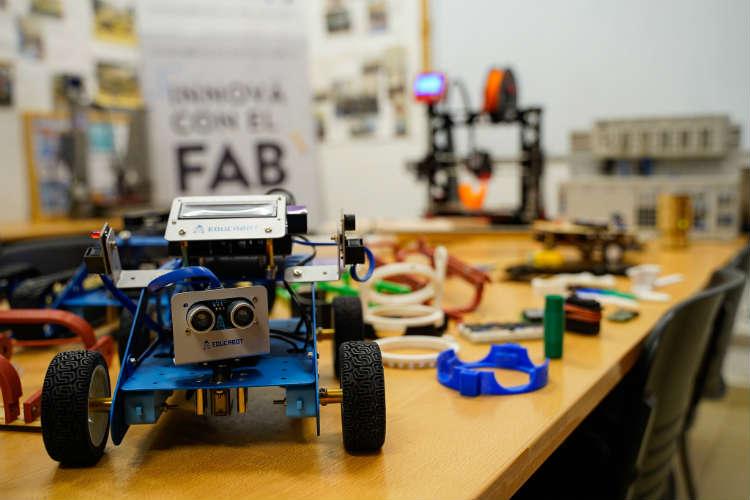 Vicente López: El Laboratorio de Fabricación Digital suma equipamiento para la formación en los nuevos oficios