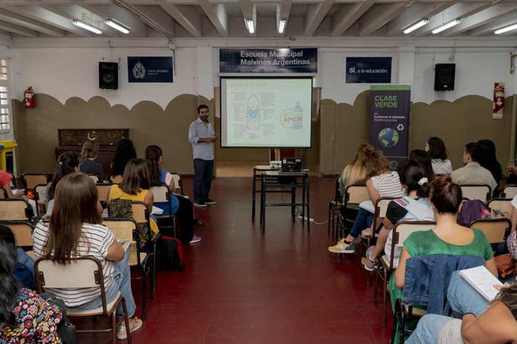 En San Isidro capacitan a docentes en educación ambiental