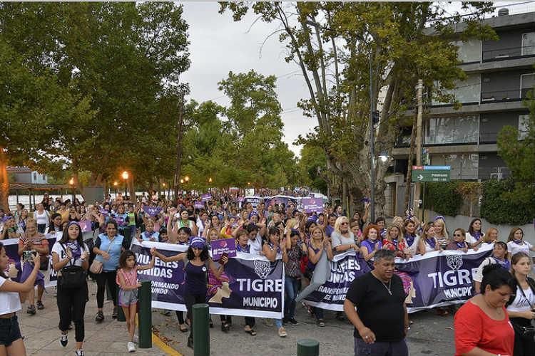 Tigre realizó su primera marcha a favor de la igualdad de género