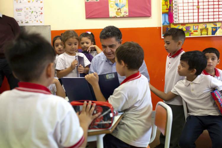 Jorge Macri presentó el programa de Ayuda Escolar para estudiantes