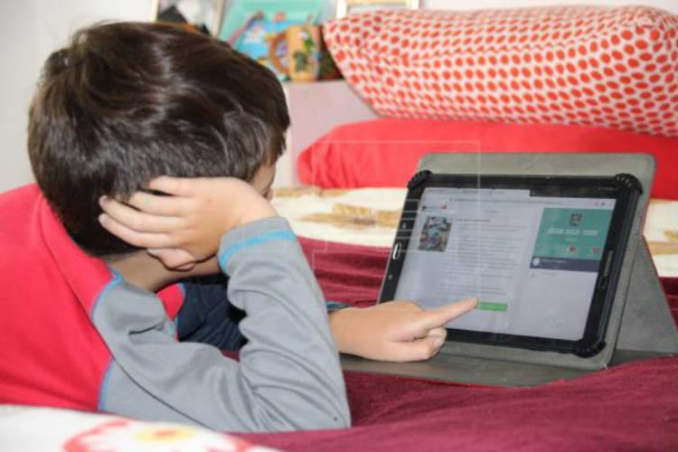 En Vicente López implementan distintos canales para que los alumnos continúen cursando