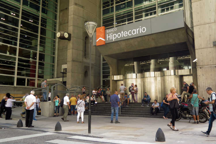 Los bancos abrirán sábado y domingo para el pago de haberes jubilatorios