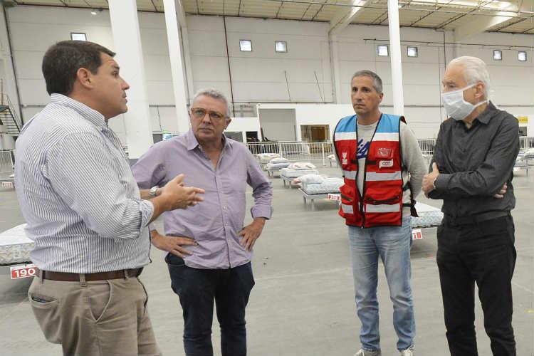 Alberto Cormillot y Julio Zamora recorrieron el Centro de Aislamiento de Emergencias de Tigre