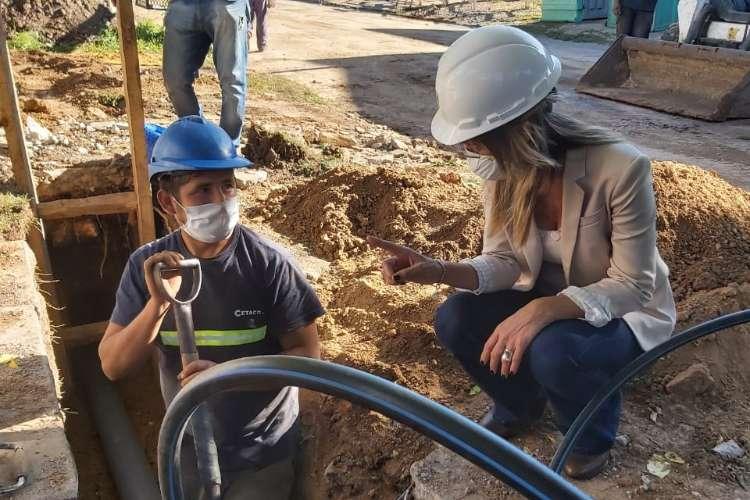 Malena Galmarini junto a Jaime Mendez firmó convenio para realizar más obras de Agua y Cloaca en San Miguel.