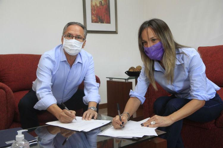 Malena Galmarini, Aysa, Alberto descalzo, Ituzaingó