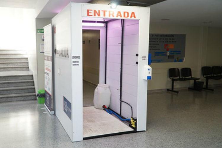 San Isidro incorpora cabinas sanitizantes en sus hospitales