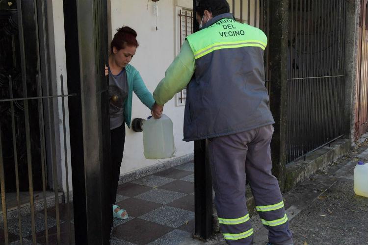 Aceleran la distribución de lavandina para llegar a todos los barrios de San Fernando