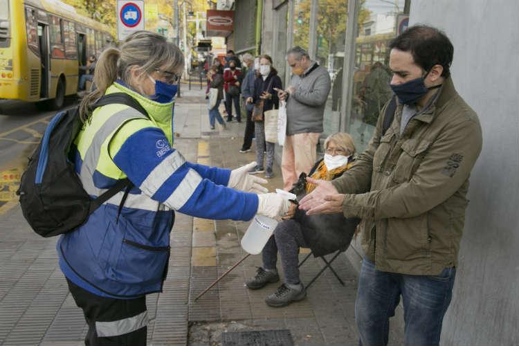 Continúa en Vicente López el operativo de asistencia en zonas bancarias para adultos mayores