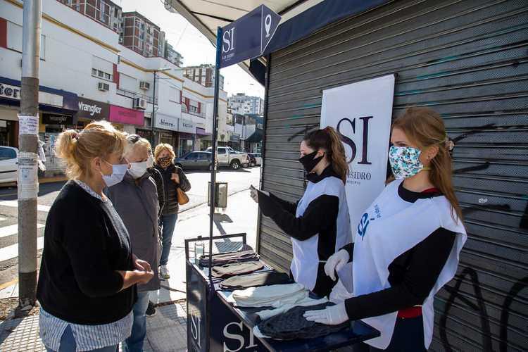 Vecinos y entidades de San Isidro donan 160.000 barbijos caseros