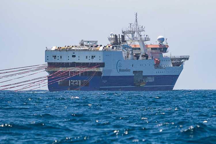 El impacto de la exploración sísmica del buque, Amazon Warrior, en aguas argentinas es dos o tres veces superior a la intensidad necesaria para romper el tímpano humano.