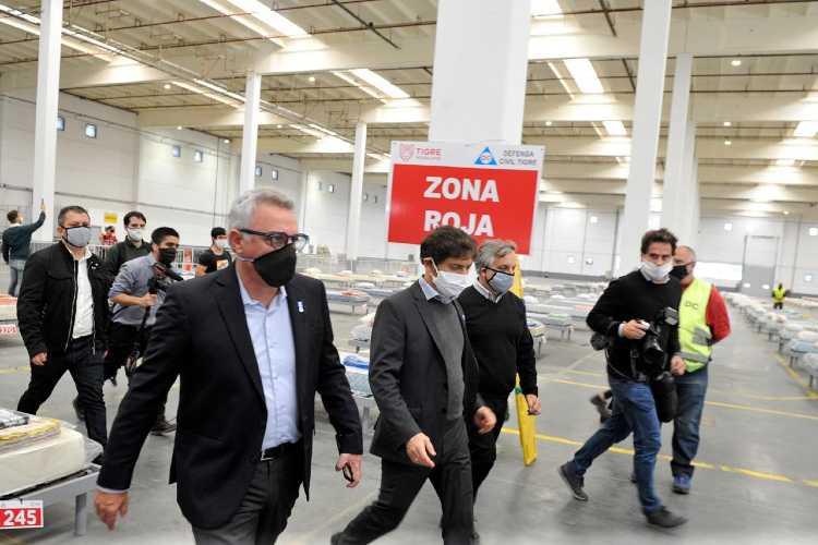 Kicillof recorrió el Centro de Aislamiento de Emergencias de Tigre junto al intendente Julio Zamora