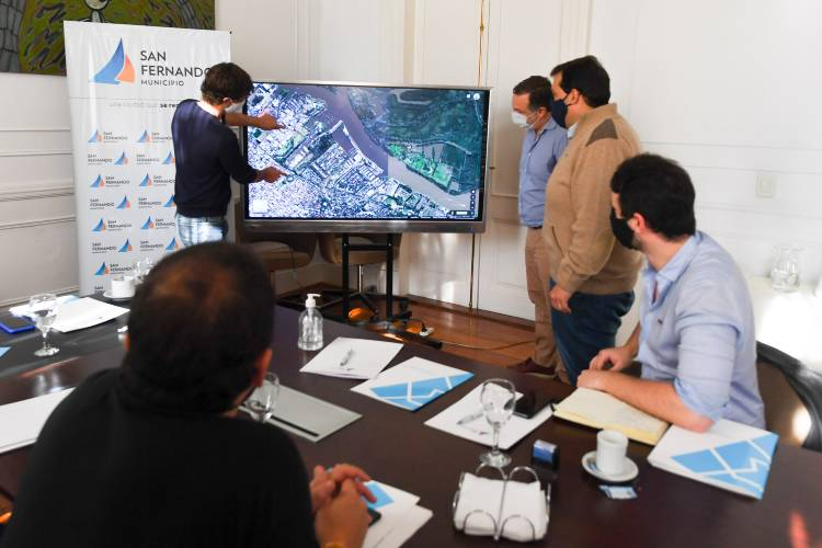 El Intendente Juan Andreotti firmó un convenio con el Presidente de la Agencia de Administración de Bienes del Estado, Martín Cosentino, y su Vicepresidente Juan Debandi donde se otorga al Municipio 9,75 hectáreas de terrenos abandonados que pertenecían al Estado Nacional.