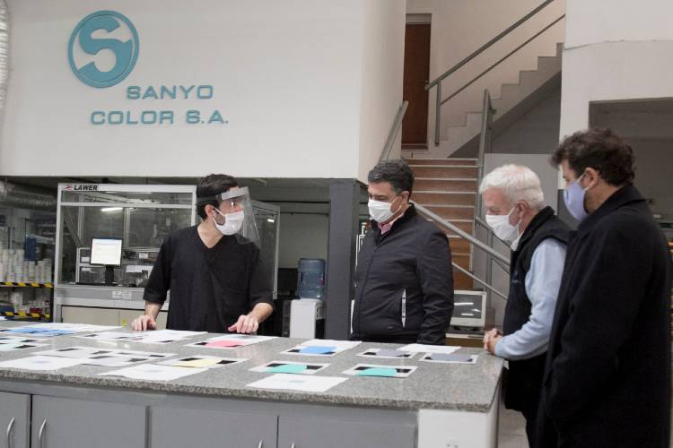 Jorge Macri recorrió esta mañana la empresa Sanyo Color de Florida Oeste para agradecerle por las donaciones y conocer el nuevo protocolo de prevención que adaptaron sus empleados por el COVID-19
