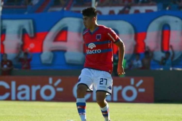 El club de Victoria anunció este lunes que Agustín Cardozo dio positivo en el test y ya se encuentra aislado, aunque su caso es asintomático.