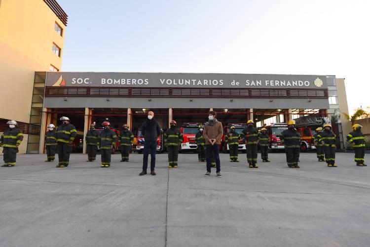 Juan Andreotti acompañó a los Bomberos de San Fernando en su día