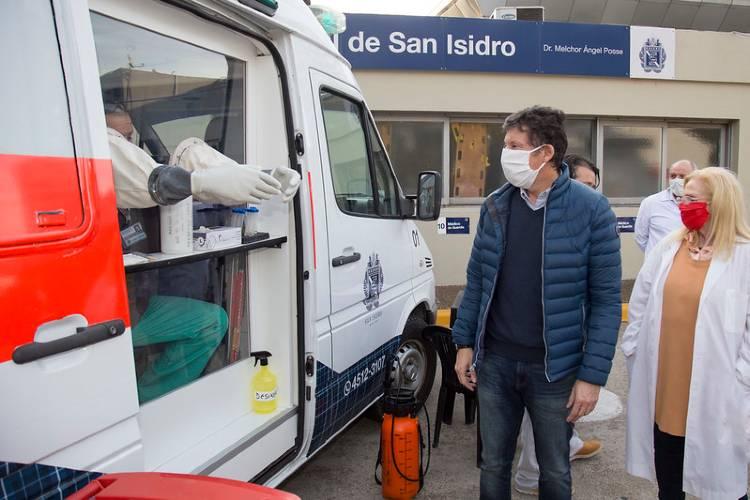 San Isidro: Cómo son las ambulancias adaptadas para hacer hisopados por Coronavirus