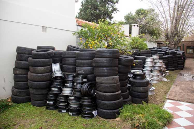 Desbaratan en San Isidro una banda que robaba y vendía ruedas de autos