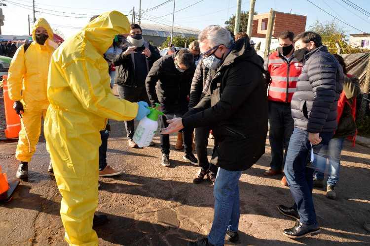 """Julio Zamora: """"Tenemos 94 infectados en el barrio San Jorge"""""""