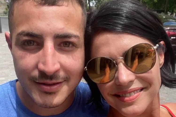 La conductora Pamela David atraviesa un mal momento tras la confirmación del suicidio de su hermano, Franco, de 22 años, y tomó la decisión de trasladarse desde Mendoza a Santiago del Estero para acompañar a sus familiares en este momento,