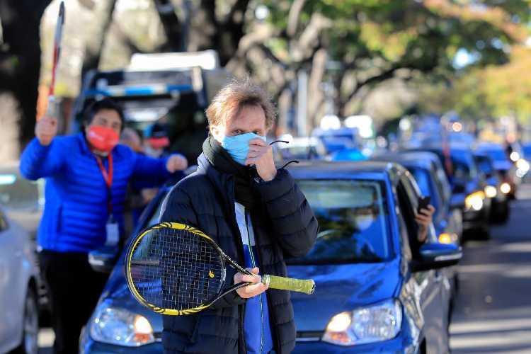 Tenis y pádel se unieron en la quinta de Olivos para pedir retomar la actividad