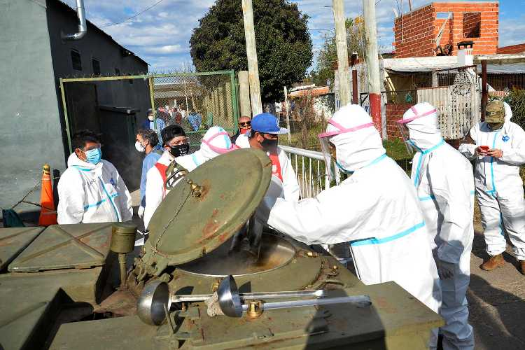 El Ejército entregó viandas para más de mil familias en el barrio San Jorge de Tigre