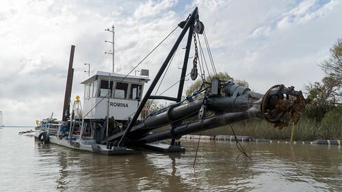 El intendente Gustavo Posse recorrió el canal de acceso al puerto en el que la Federación Náutica realizó mejoras para la navegación en el Río de la Plata.