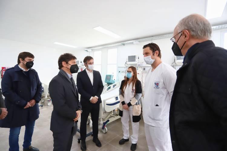 """Axel Kicillof este miércoles en la apertura del nuevo Hospital Municipal """"Presidente Derqui"""" en Pilar. Participaron el intendente local, Federico Achaval"""