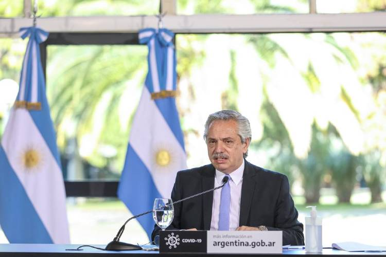 El presidente Alberto Fernández anunció esta tarde que el Área Metropolitana de Buenos Aires volverá a una fase estricta del aislamiento social preventivo y obligatorio, entre el 1 y el 17 de julio, para enfrentar la pandemia de coronavirus COVID-19.